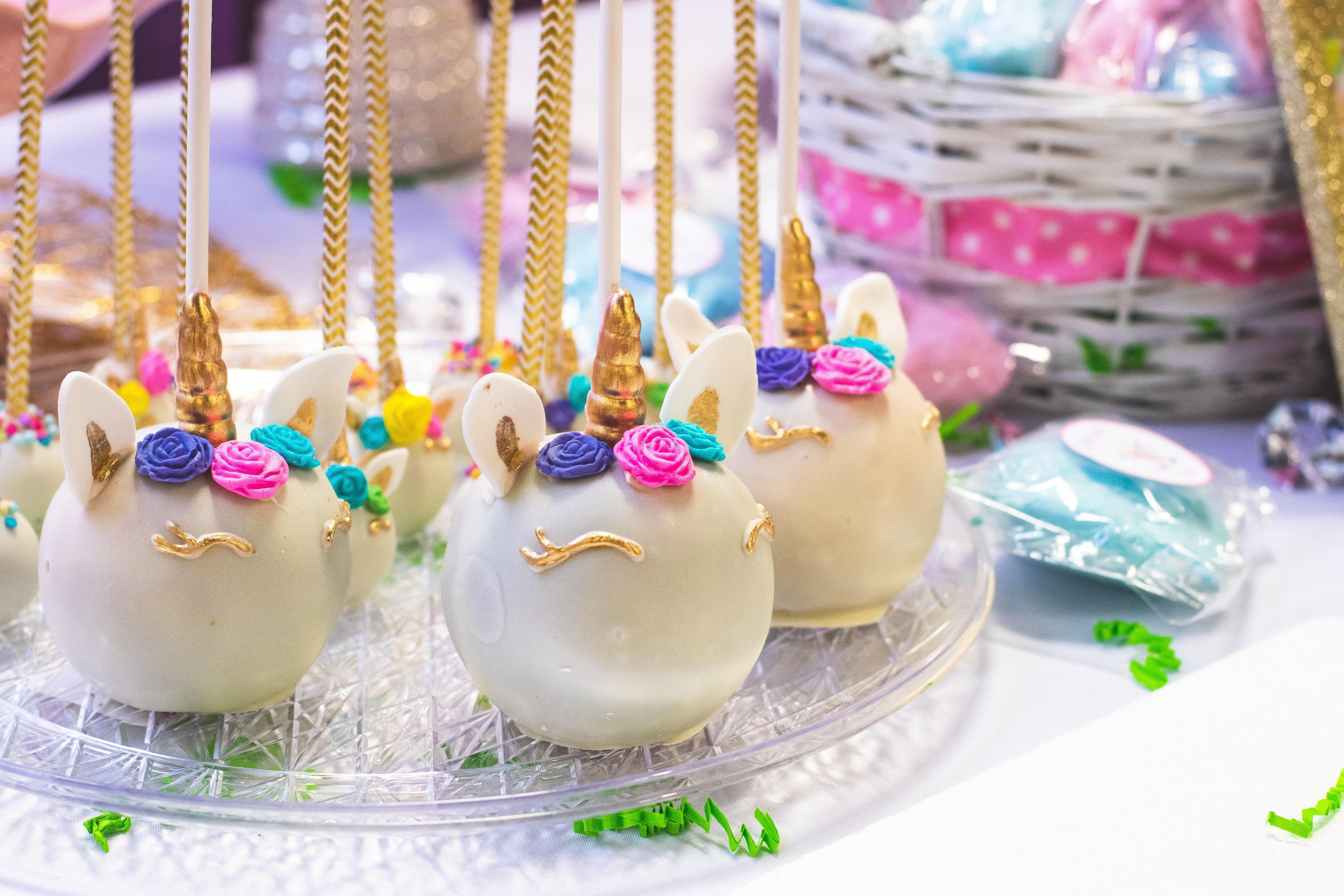 3 Fun And Creative DIY Activities For Parents And Children cake pops