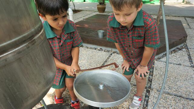 EtonHouse children engaging in the sonic garden at EtonHouse Claymore